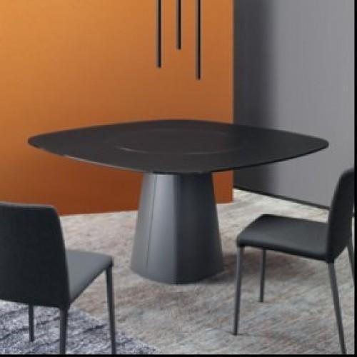 Bond Mythos étkezőasztal